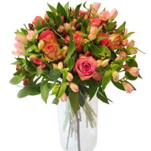 bouquet roses et alstroemerias
